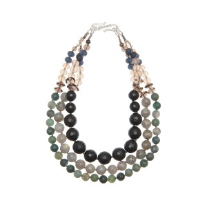 【Theory】Kong qi Color Stone Necklace タイプの異なるストーンをシンメトリーに配置した三連ネックレス。 その他 大人 セオリー