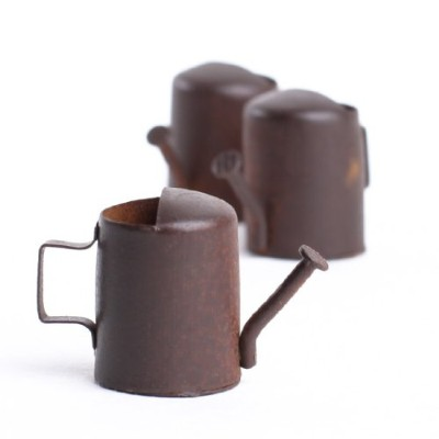 Timeless Miniatures-Rusty Watering Can
