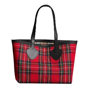 Burberry The Medium Giant Reversible Tote in Vintage Check - レッド