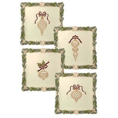 Set of 4Assorted Holiday Dessert Plates with Ornament詳細