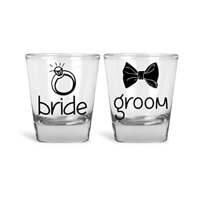 Bride & Groom Funny Novelty Couplesショットグラス| Great for花嫁、花婿、B。Bと独身パーティーby MadインクFashions