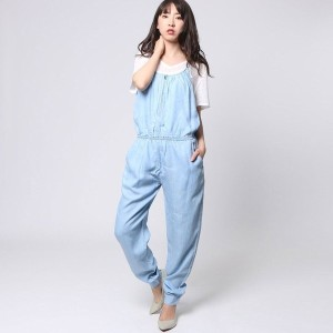 【SALE 50%OFF】ゲス GUESS CHAMBRAY JUMPSUIT (SUPER BLEACHED WASH)