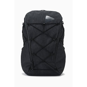 and wander (Men)/アンドワンダー  リュック heather backpack 574 0985 004 charcoal【三越伊勢丹/公式】 バッグ~~リュックサック・デイパック