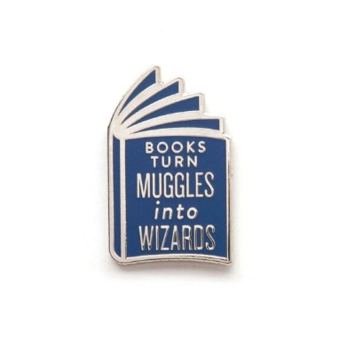 [Out of Print] Books Turn Muggles into Wizards Enamel Pin - ハリー・ポッター エナメル ピンバッジ