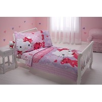 ハローキティ 寝具4点セット Sanrio 4 Piece Toddler Bedding Set, Hello Kitty and Friends