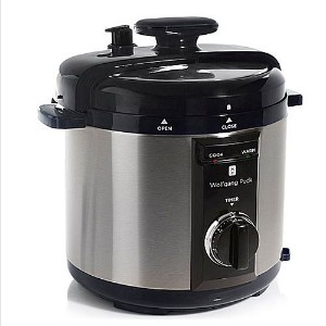 Wolfgang Puck BPCRM800R 8-Quart Rapid Electric Pressure Cooker Black by Wolfgang Puck
