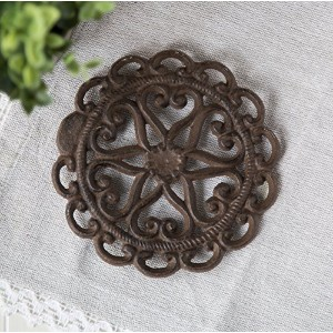"""Cast Iron Round Trivet withヴィンテージパターン–装飾鋳鉄五徳for素朴なキッチンやダイニングテーブル–7""""直径–with Rubberペグ–..."""