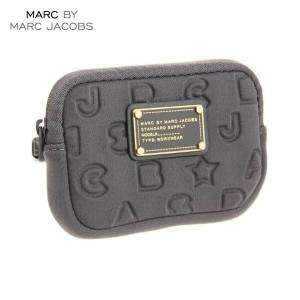 【35%OFFセール 5/25 10:00~5/30 23:59】 マークジェイコブス MARCJACOBS 正規品 デジカメバッグ Stardust Logo Universal Case グレー
