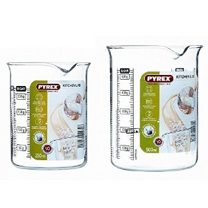 Pyrex Beaker and Shaker Set by Pyrex