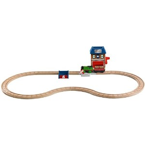 Fisher-Price Thomas the Train Wooden Railway Battery-Operated Percy and the Mail Station Set [並行輸入品]
