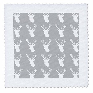 InspirationzStore鹿デザイン – ホワイト鹿ヘッドパターンonグレー。Stag with Antlers onグレーシルバー – キルト正方形 8x8 inch quilt...