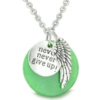 """Angel Wing and Inspirational """" Never Never Give Up """" Amuletグリーンクオーツペンダント18インチネックレス"""