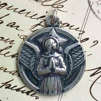 LargeスターリングSt Michael the Archangel Medal – Heavenlyプロテクター – Antique Reproduction