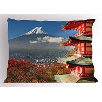 Fuji Mountain View Pillow Sham by Ambesonne、Historic Japanese Landscape with Blooming Cherry木従来の家...