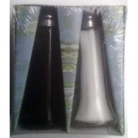 2 Classic Salt and Pepper Shakers - Filled with Salt and Pepper by Forrelli [並行輸入品]