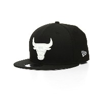 ニューエラ メンズ 帽子 キャップ【9fifty chicago bulls glossy metal badge snapback hat】Black