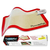 PhoodieMat 16.5 x 11.5 in - Fits your 1/2-size baking sheet. レッド