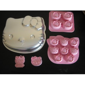 Hello Kitty Cake Pan Molds and Hello Kittyクッキーカッターセットの4