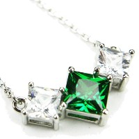 """cz-veeネックレス、emerald-colored CZs、18"""""""