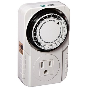 Titan Controls Apollo 6 - One Outlet Mechanical Timer w/ 15 minute intervals, 120-Volt - 734110 by Titan Controls