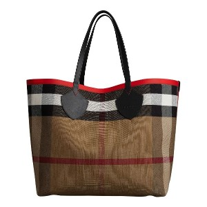 Burberry The Giant Reversible Tote in Canvas Check and Leather - レッド