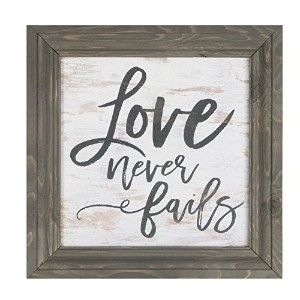 Love Never FailsグレーDistressed 11 x 11木製額入り壁Sign Plaque