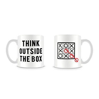 Think Outside TheボックスQuote Funny Clever Tic Tac Toe Noughts and Crossesマグ