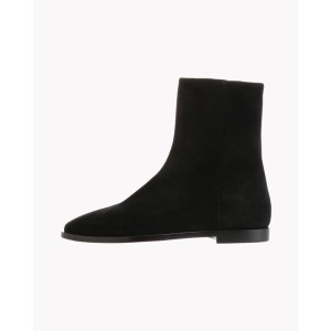 【Theory】Cow Suede Zip Up Bootie 牛革スウェードで仕立てたショートブーツ。 ブラック 大人 セオリー レディース