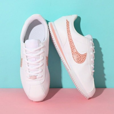 ★SALE★NIKE CORTEZ BASIC SL (GS)(ナイキ コルテッツ ベーシック SL GS)(WHITE/CORAL STARDUST-RUST PINK)18SP-I