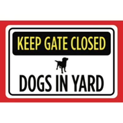 Shimaier 壁の装飾 メタルサイン Keep Gate Closed Dogs in Yard Print Yellow Black Red White Print Picture...