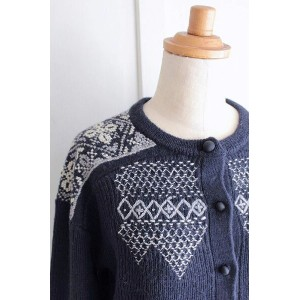 【送料無料】nesessaire〈ネセセア〉Hand cross stich cardigan NV