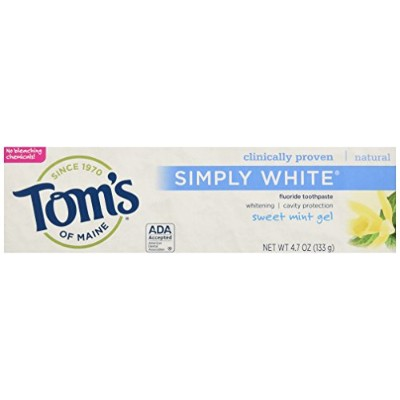 Tom's of Maine Toothpaste - Simply White - Gel - Sweet Mint - 4.7 oz - Case of 6 by Tom's Of Maine