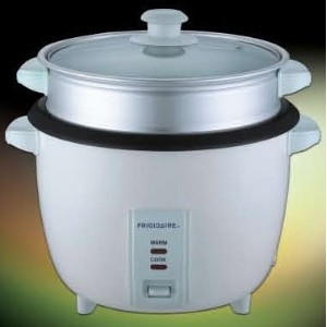 Frigidaire FD8028S 2.8 Liter Rice Cooker with Steamer 220-240 VOLT, OVERSEAS USE ONLY, WILL NOT...