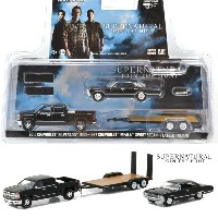 GREENLIGHT 1/64 HITCH & TOW - HOLLYWOOD SERIES SUPERNATURAL - 2015 CHEVROLET SILVERADO & 1967...