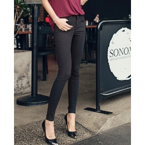Colorwayスキニーパンツ- This is basic skinny pants having basic line. This basic cotton skinny pants are