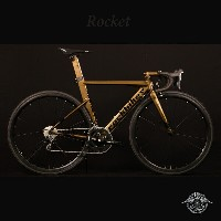 ROCKET(ロケット)【COLOR:PHOENICIAN BRONZE】ROCKBIKES(ロックバイクス)アルミエアロロードバイク【送料プランC】 【完全組立】【店頭受取対応商品】