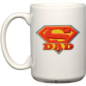 Super Dad–15オンスマグ–Happy Fathers Day by BeeGeeTees ®