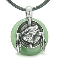 Amulet Howling Wolf Feathers Green Quartzラッキードーナツペンダントネックレス
