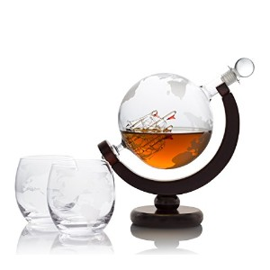 Whiskey Decanter Globeバーセットでアンティーク船–2Etched Bourbon Glasses andバーFunnel–850ml–Perfect Gift...