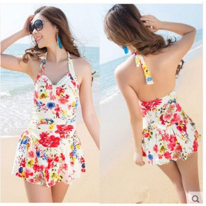 The new female boxer conservative skirt swimsuit code thin cover belly Suihua small chest gather hot