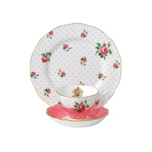 Royal Albert New Country Roses Cheeky Pink 3 Piece Set (Teacup, Saucer, Plate) by Royal Albert