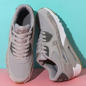 NIKE AIR MAX 90 LTR SE GG (ナイキ エア マックス 90 レザー SE GS) ATMOSPHERE GREY/GUNSMOKE-WHITE【ガールズ スニーカー】18SS...