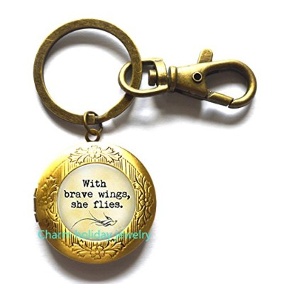 With Brave Wings She Flies – ロケットkeychain-卒業ギフト – Encouragement – Congratulations – with Brave...