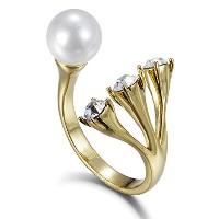 Fappac Simulated Pearl Statement Ring enriched with Swarovski Crystals、サイズ6