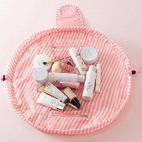 Use Flexible-Put all of the toiletries on the bag,tighten the two lines drawstring, quickly pack...