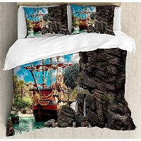 Pirate布団カバーセットby Ambesonne、ビッグ古代Ship On Tropical Caribbean Seashore Pirate Island Large Rock...