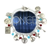 Once Upon a Time TV Inspiredジュエリーコレクション11チャームToggle Clasp Bracelet inギフトボックスbyスーパーヒーローブランド
