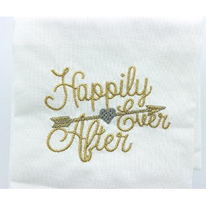 """Happily Ever Afterティータオル、20""""高X 28""""ます。"""