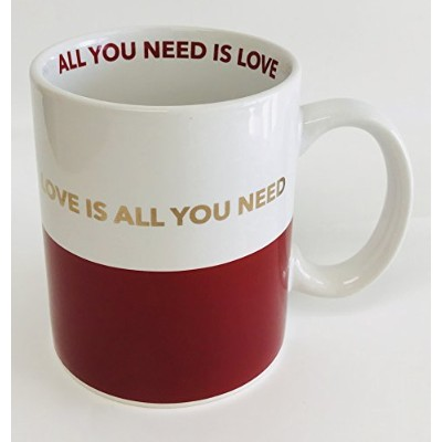 """"""" Love is all you need """" inゴールドon aホワイトwithレッドセラミックマグカップ  All You Need赤でInside theマグ  3.25インチx 4..."""