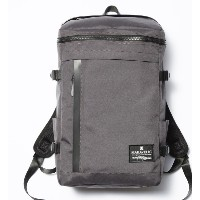 【MAKAVELIC】CHASE RECTANGLE DAYPACK【フーズフーギャラリー/WHO'S WHO gallery レディス, メンズ リュック グレー ルミネ LUMINE】